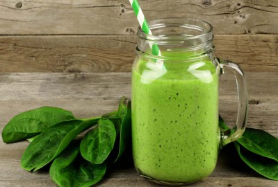 Organic green smoothies are a prime example of eating and living healthy through organic food
